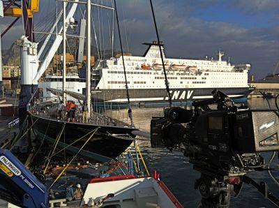 Sicilië. Transport zeilschip van Italië naar Nederland